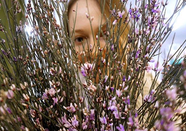 普京妇女节致辞:真正的俄罗斯精神体现在女性的仁慈中