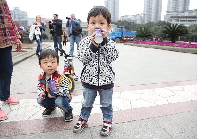 中國衛計委:中國兒童發育水平超過世衛組織的生長標準
