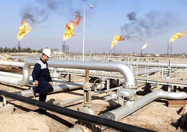 媒体:俄对华石油出口今年前7个月增长38.5%