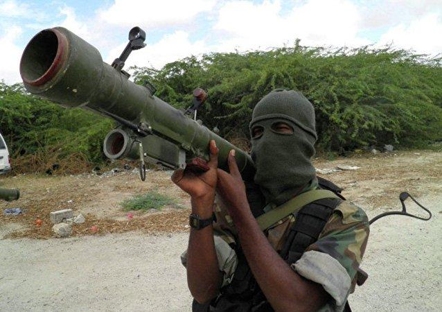 """媒体:索马里情报部门空袭""""青年党""""武装分子"""