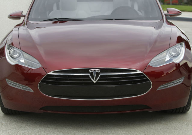 特斯拉自动驾驶功能电动车再出车祸