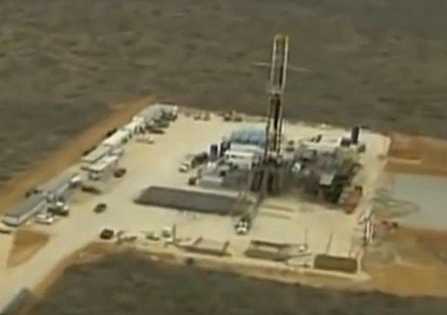 采页岩油厂