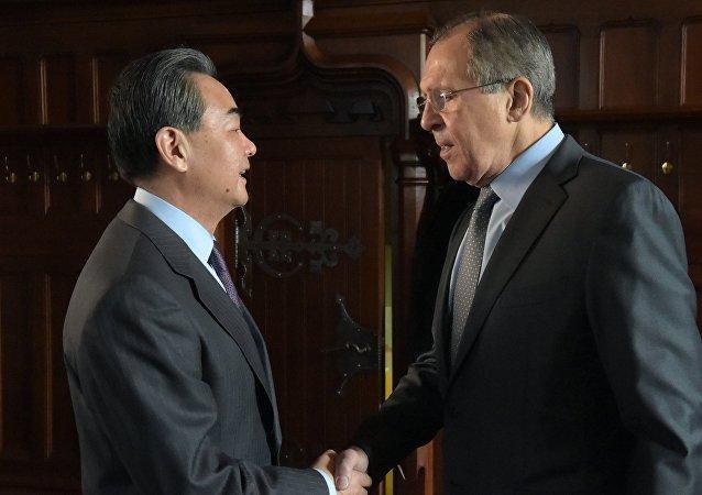 中国外长:中俄在朝鲜问题上立场高度一致