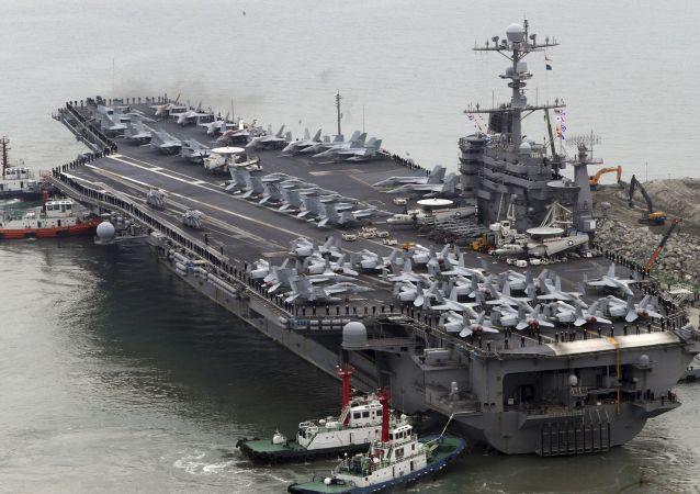 据香港媒体报道,中国政府不允许美国航母进入香港