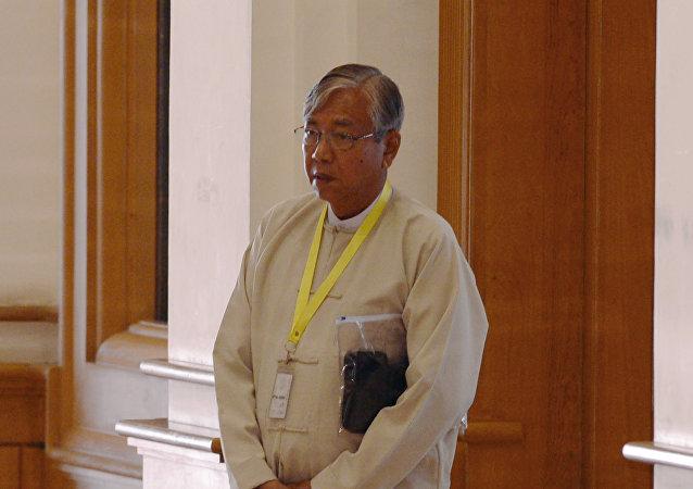 诺贝尔奖得主昂山素季的盟友吴廷觉被选为缅甸总统