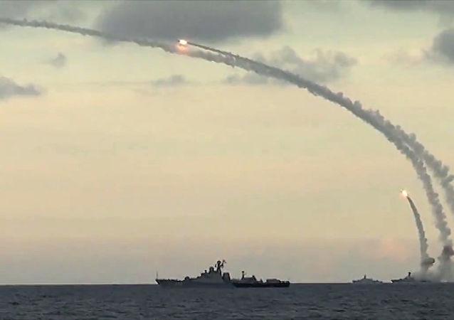 """俄国防部:俄安泰核潜艇将获得""""口径""""导弹系统"""