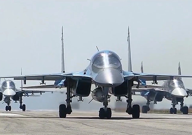 俄国防部:俄东部军区航空团去年已接收16架苏-34战斗轰炸机