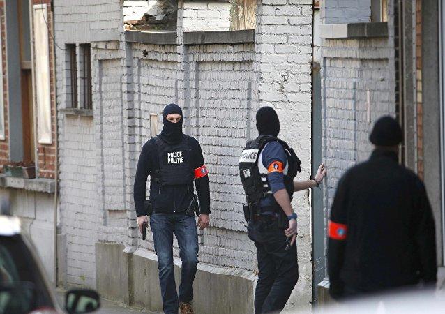警方在布鲁塞尔专项行动中击毙罪犯 另有两人在逃