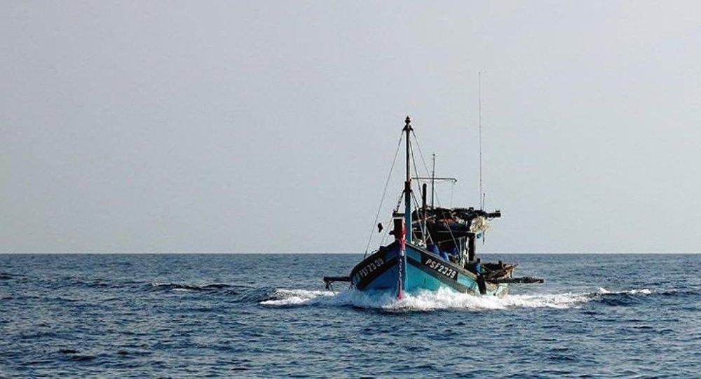 通讯社:载有11人的渔船在中国东部沉没/资料图片/