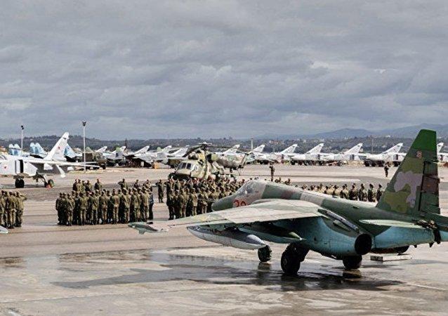 军用运输机将伴随俄空军机群从赫梅米姆空军基地转移