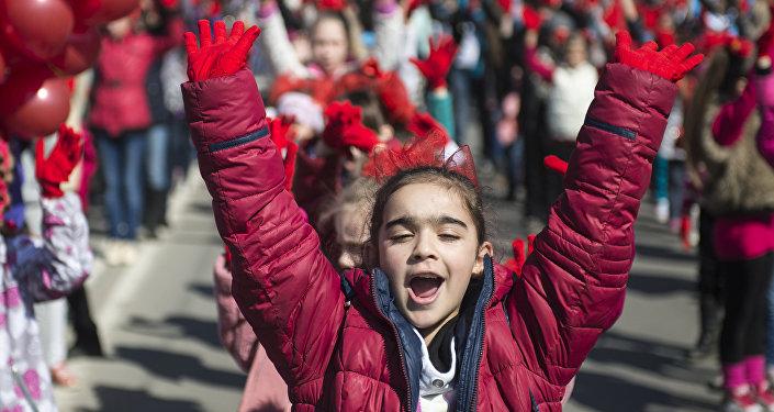 俄中跻身幸福感上升最快国家TOP10
