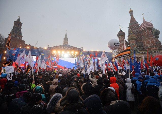 俄内务部:全国约40万人参加了克里米亚回归两周年庆祝活动