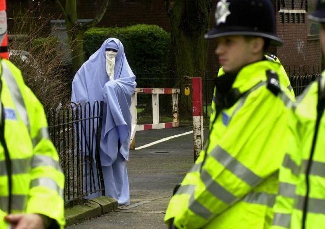 媒体:英国侦察机构发出警告,可能利用妇女与儿童实施恐怖行为