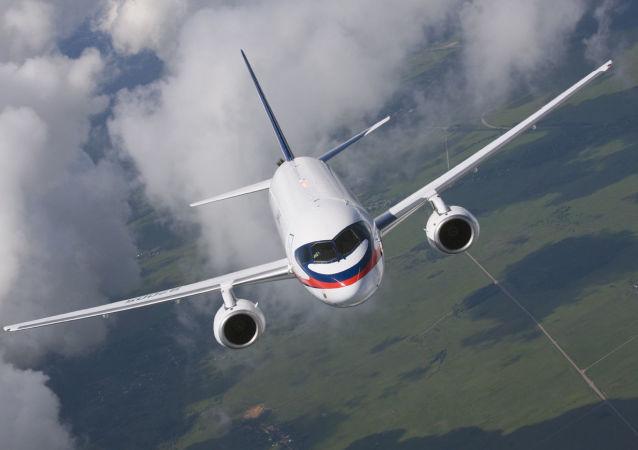 苏霍伊100超级喷气式飞
