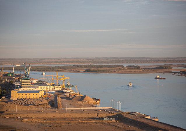媒体:俄中跨阿穆尔河大桥将于2018年竣工
