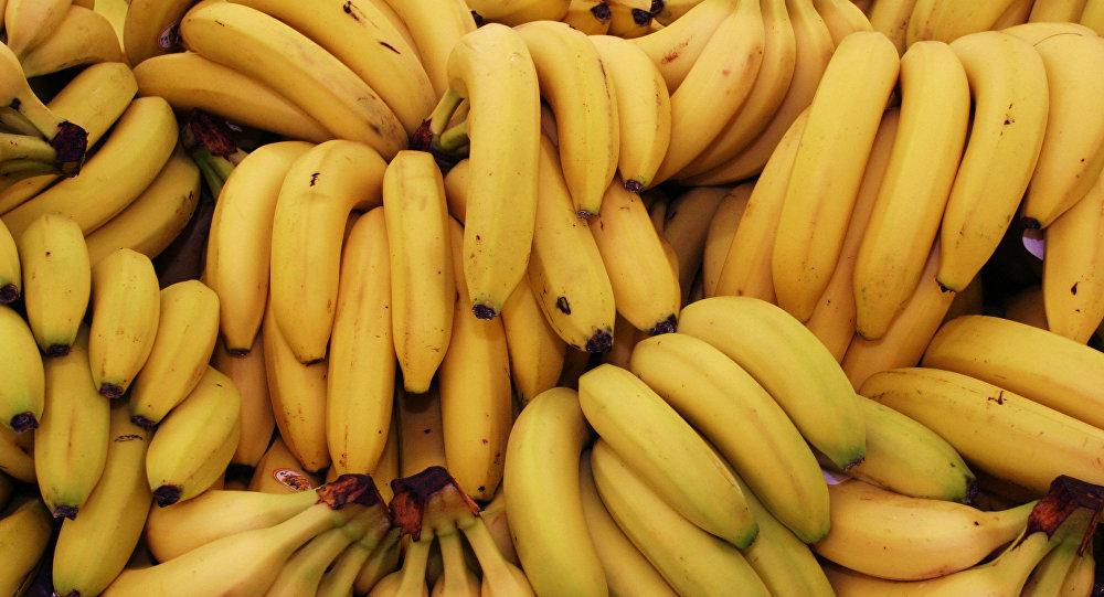 专家:夏季应多吃桃子和香蕉