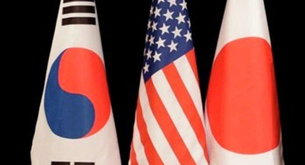 特朗普在朝鲜新导弹试验背景下向安倍承诺提供帮助