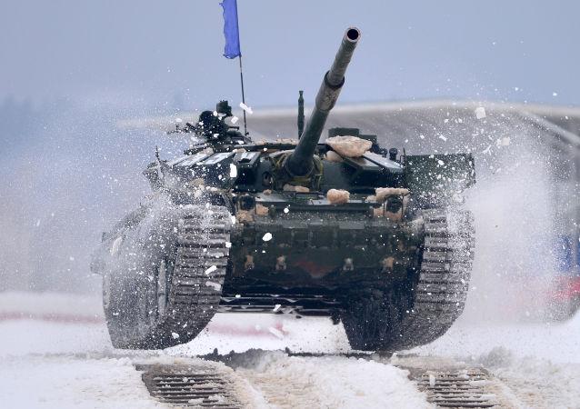 俄军方邀请中国军队试用乌拉尔坦克两项赛道