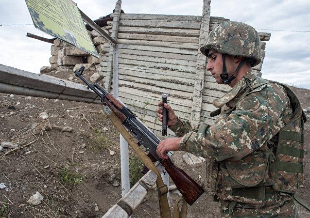 阿塞拜疆总统:阿军巩固卡拉巴赫接触线上阵地