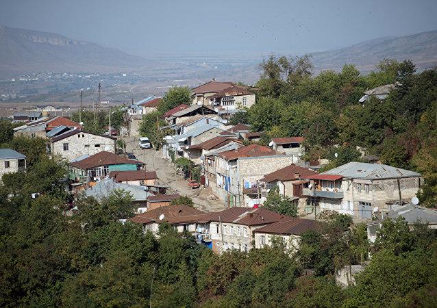 阿塞拜疆决定停止卡拉巴赫接触线军事行动