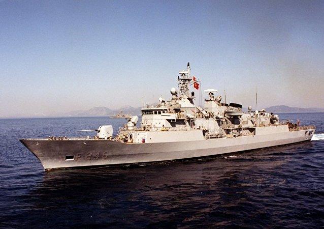 土耳其海军驱逐舰萨里黑斯号