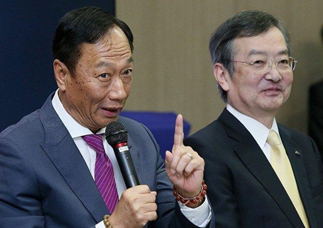 日本电子工业向国外求救