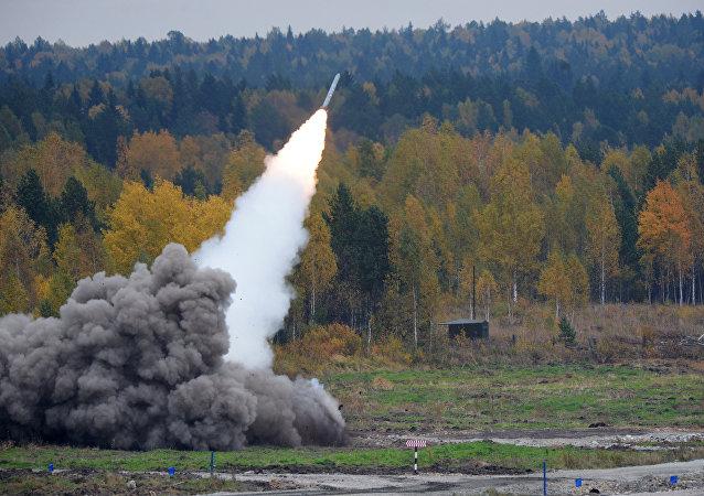 """俄罗斯研制用""""龙卷风""""齐射火箭炮火箭弹发射的无人机"""