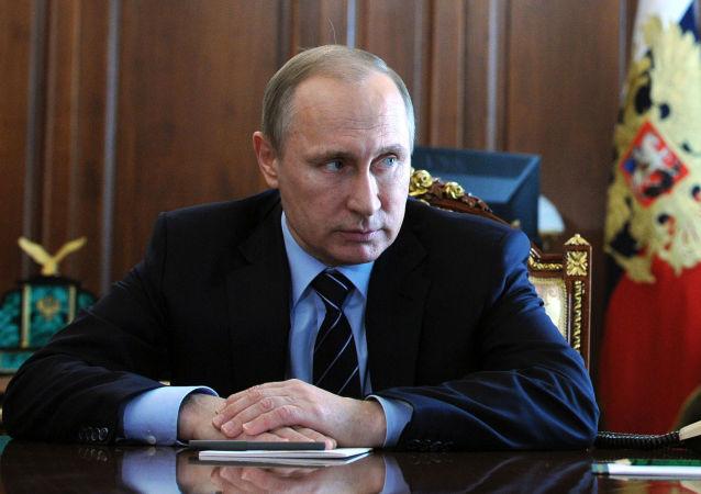 普京:俄罗斯将在内务部内卫部队的基础上成立国民警卫队