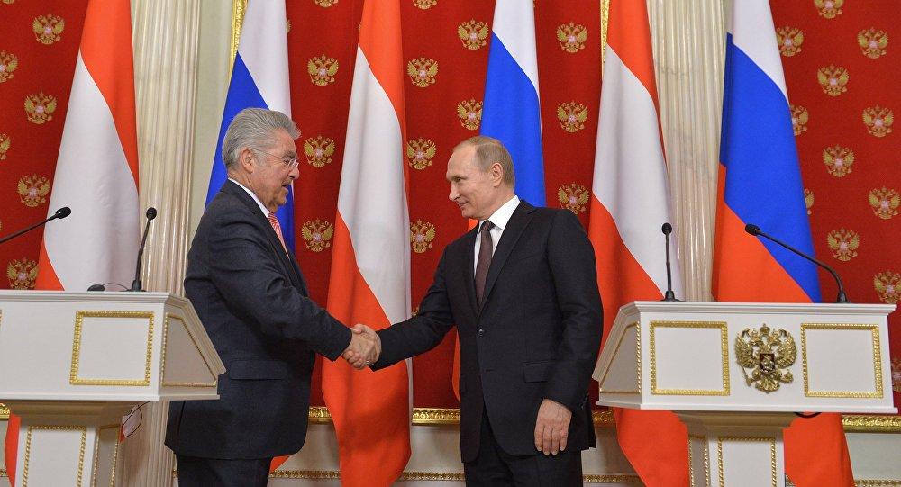 普京:俄罗斯期望在奥地利担任欧安组织轮值主席国期间能够与该国紧密合作