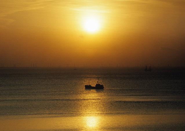 媒体:一艘希腊船在利比亚海岸附近被劫持 船上有俄籍水手