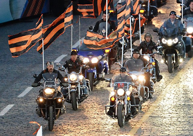 """俄""""夜狼""""俱乐部准备举办环欧摩托车越野赛"""