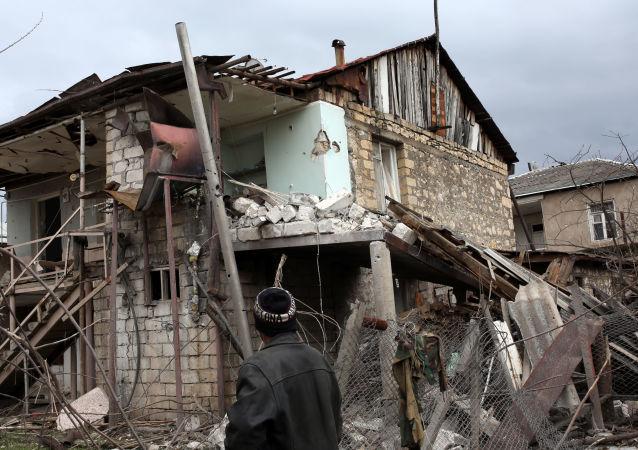 未获承认的纳卡共和国国防部称卡拉巴赫过去一昼夜内发生60次破坏停火的行为