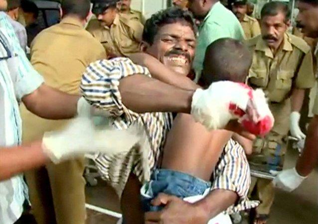 印度喀拉拉邦寺庙火灾致83死350 伤