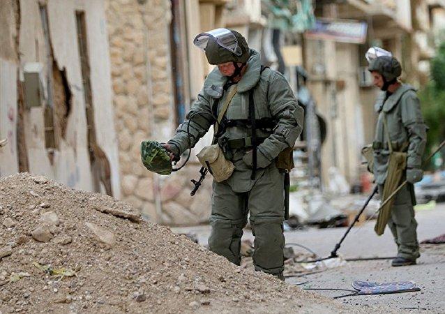 俄罗斯武装部队国际排雷中心联合部队在帕米拉老城区即周边地区排雷
