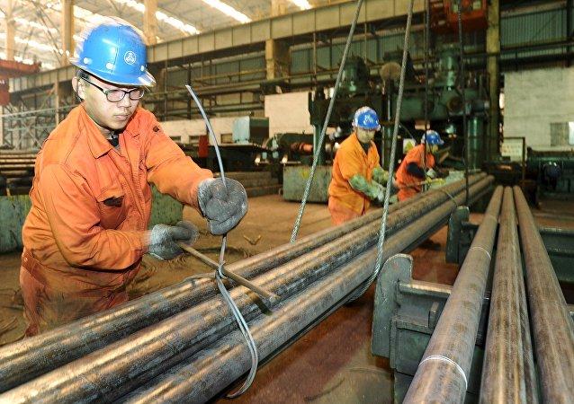 """中国专家:""""一带一路""""倡议有利于中国化解钢铁过剩产能"""