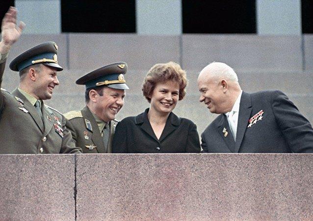 前NASA航天员感谢捷列什科娃鼓舞