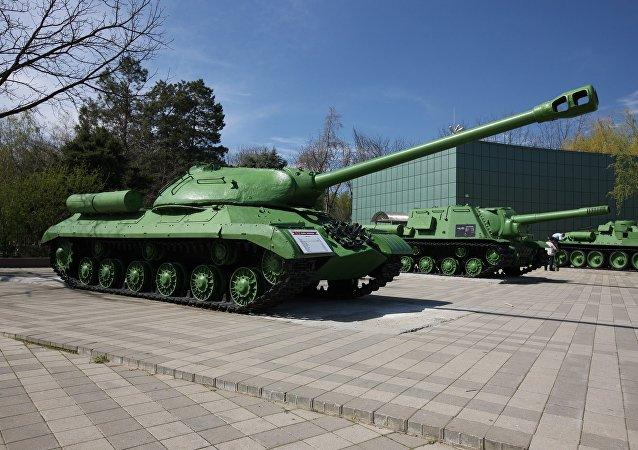 媒体:俄罗斯专家修复传奇的IS-2重型坦克