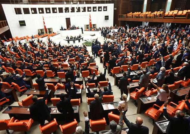 土耳其议员称封锁卫星通讯社网站是不可接受的审查行为