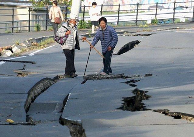 媒体:日本地震月余后仍有万余人无法返回家园