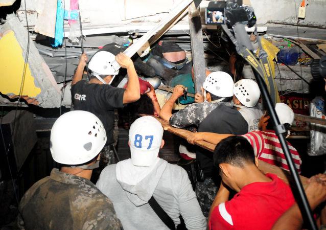 一只厄瓜多尔狗在从废墟中救出7人后因精力耗尽而去世