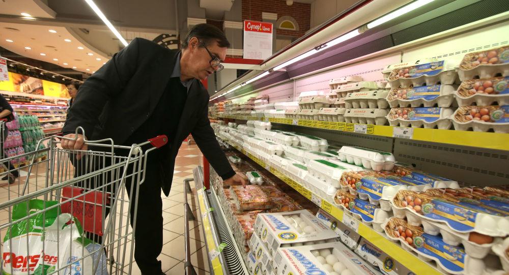 当前超过半数俄罗斯公民支持当局对西方实施食品进口禁令