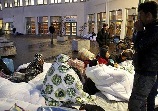 叙利亚难民在Airbnb 网站上讽刺希腊难民营