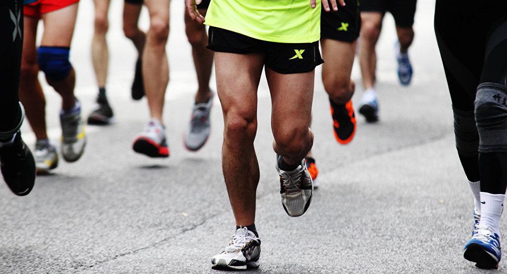 华媒:杭州推拿师跑步回家过年 27个小时跑211公里