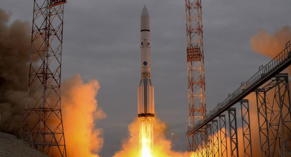 印度成功发射104颗卫星 创下新记录