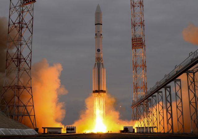 """俄国防部:""""联盟-2.1b""""火箭已将""""格洛纳斯-M""""卫星送入预定轨道"""