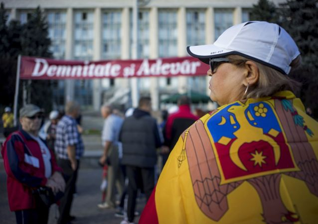 摩尔多瓦爆发反政府示威要求提前选举