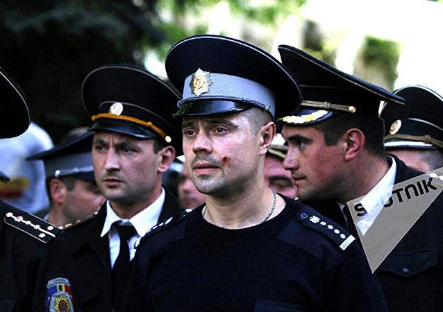 摩尔多瓦首都骚乱致14名警员受伤