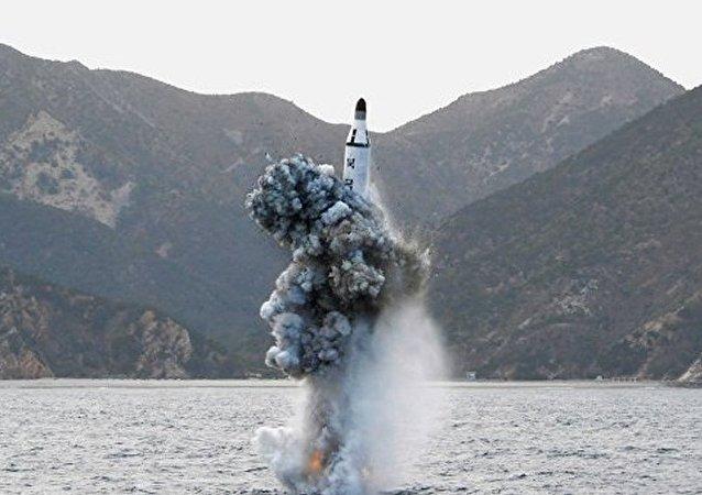 朝鲜发射潜射弹道导弹