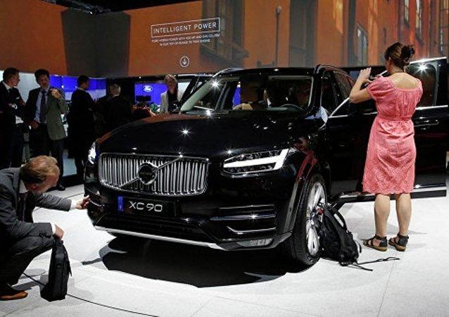 """媒体:中国可能在2016年公布无人驾驶汽车领域发展""""路线规划图"""""""