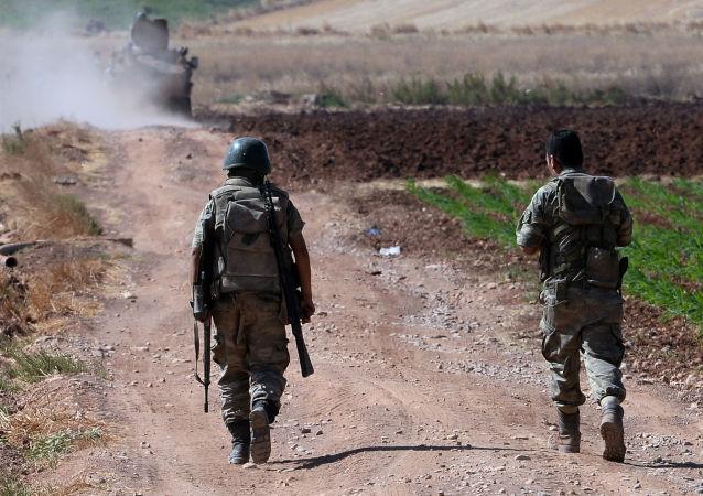 库尔德方面消息:土耳其军队在攻击时使用白磷弹